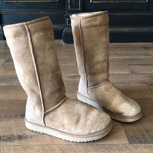 Ugg boots in size 7